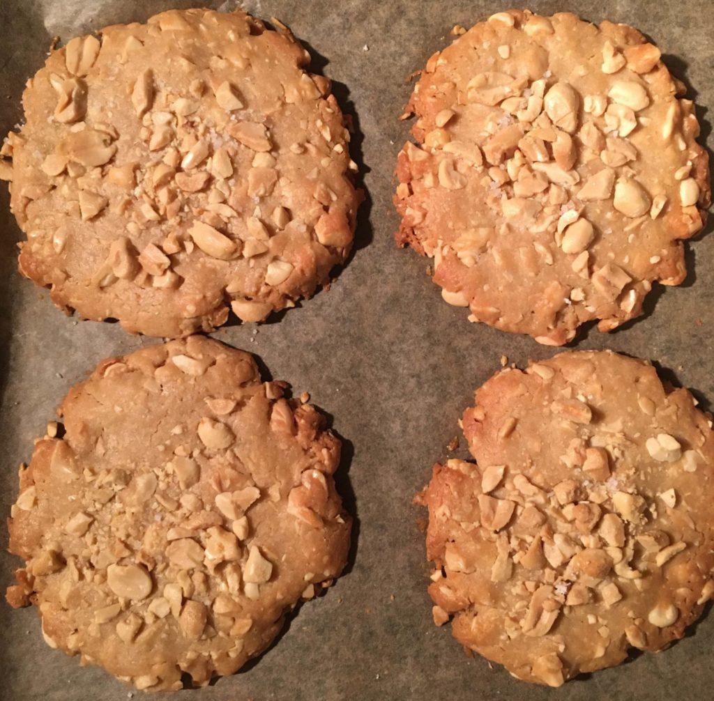 Erdnuss-Cookies sind fertig!