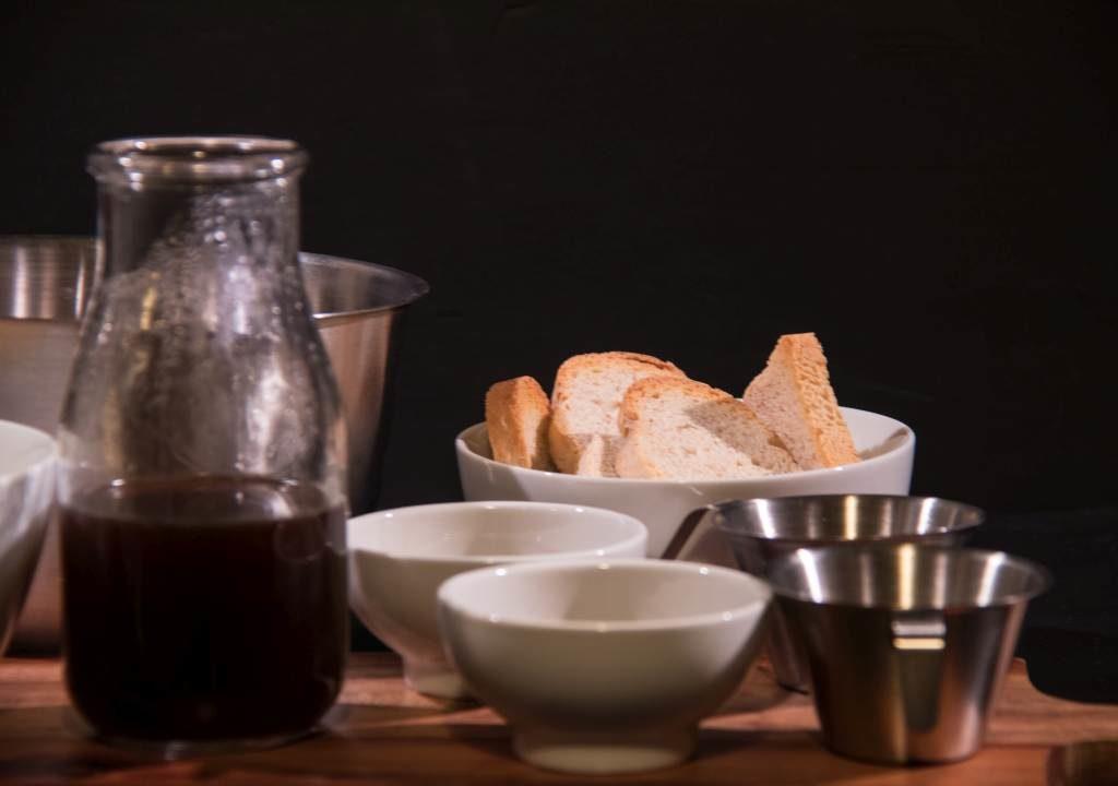 Statt Löffelbiskuits wird zuckerfreier Zwieback verwendet