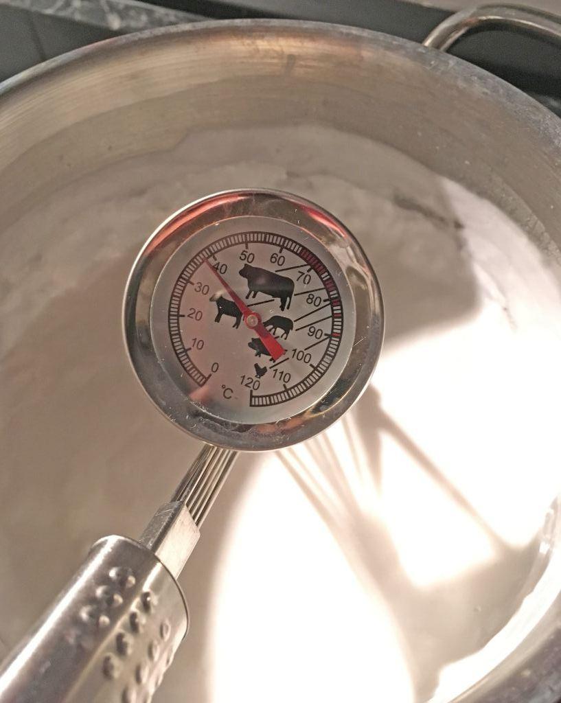 ...unbedingt auf unter 40 Grad abkühlen lassen, wenn die Kokosmilch aufgekocht wurde