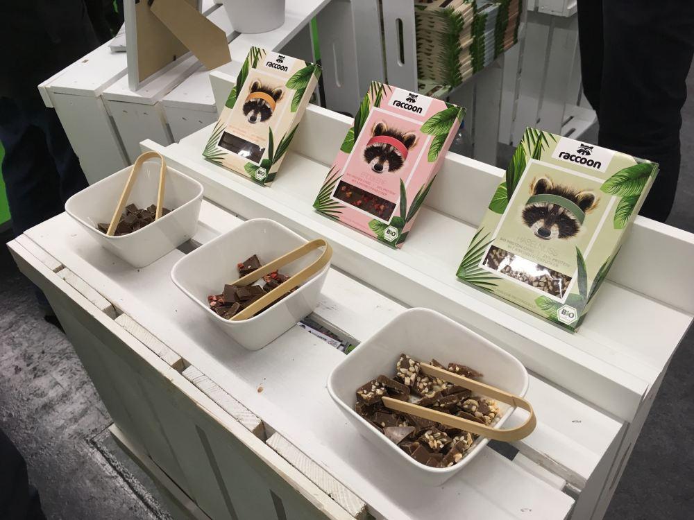 Die sportliche Schokolade von der Marke mit dem süßen Waschbären - Raccoon!